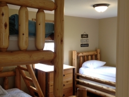 cottage bunk bedroom