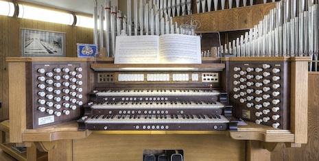amenities-pipe-organ-concerts